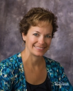 Nancy Wolff Leary headshot